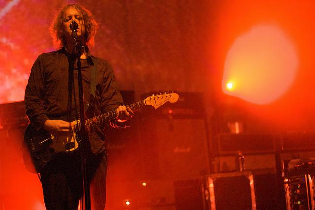 Kevin Shields, guitarrista de My Bloody Valentine en directo